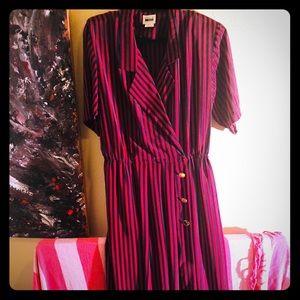 👛NEW👛Rare Vtg Plus striped wrap dress w/belt